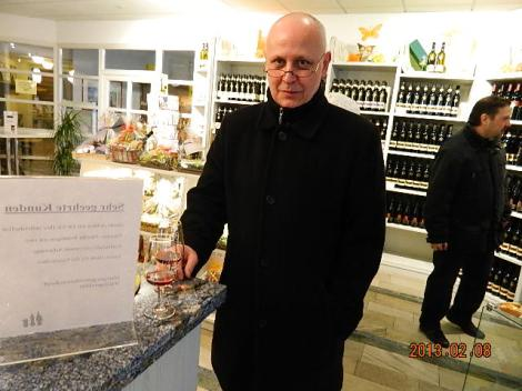 kõike veine saab enne ostmist maitsta- Ei pea põrsast kotis ostma.