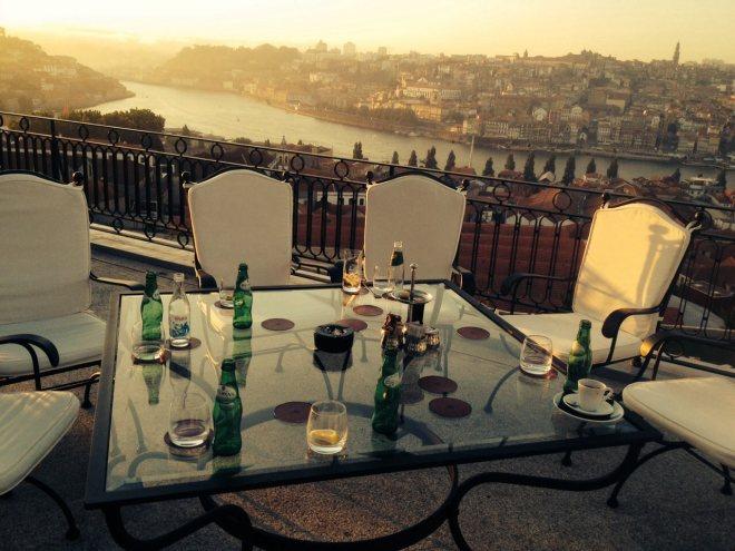 vaade  linnale terrassilt