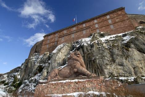 sculpte par Bartholdi 1876-8O et la citadelle de Vauban